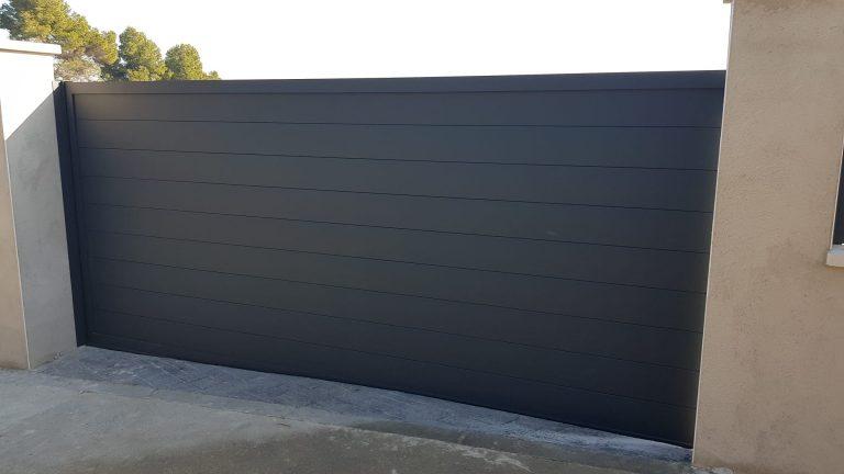 Puertas aluminio soldado negra Desoval
